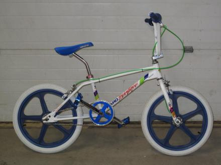 BMX001.jpg