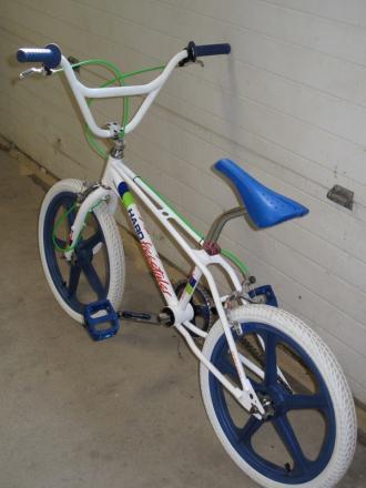 BMX010.jpg