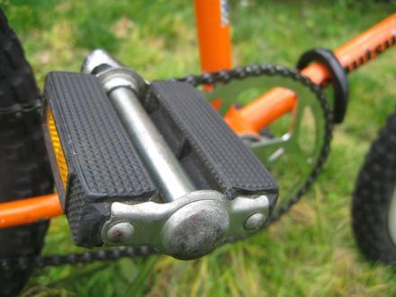 77 Matthews Moxie I - pedal.jpg