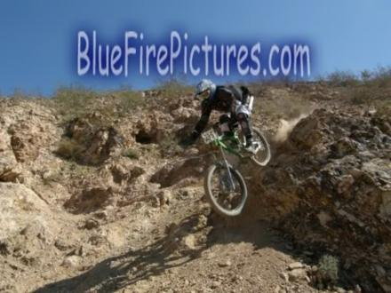 Race pic downhill mtb.jpg