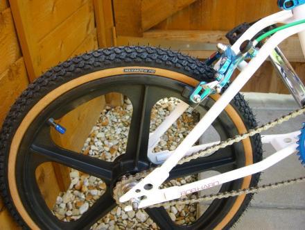 Maximizer710.tire.jpg