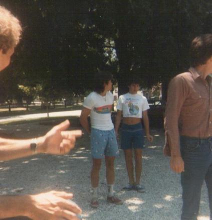 Martin_aparijo_and_Beatle_at_Ricks_parents_in_ohio_1985.jpg