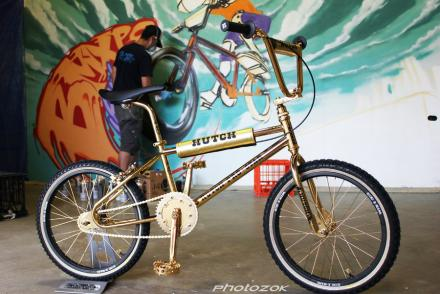 24ct_gold_plated_hutch_bmx_1_by_photozok-d5gr0zr.jpg
