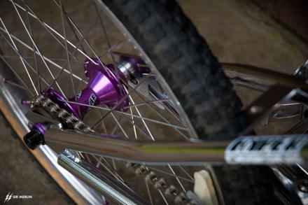 hyper_metro_pro_xl_bmx_1993_rear_hub_purple.jpg
